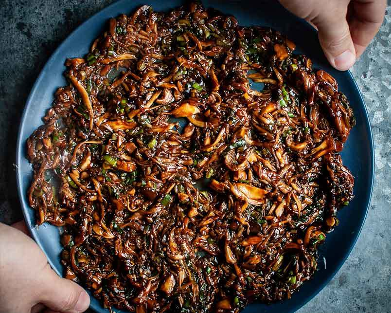 vegan boa recipe with hoi sin sauce and king oyster mushrooms