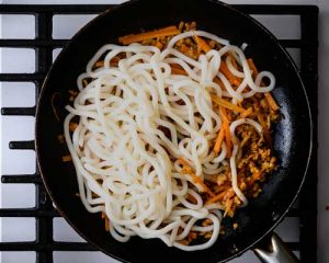 chunky noodles for spicy vegan noodle recipe