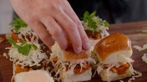 Wicked-Party-Food_BBQ-Jackfruit-Sliders_Assembly-Bun